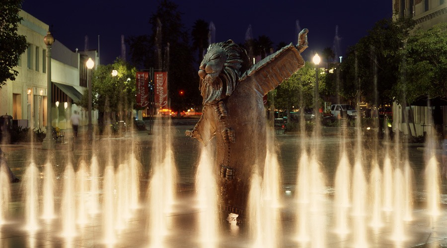 001-lions-fountain-night.jpg